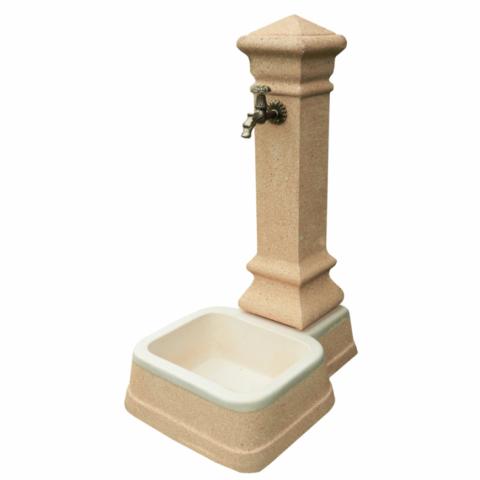 Fontana in Pietra Rosa